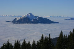 Großartige Mole über Wolken Stockfoto