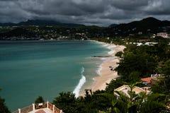 Großartiger Anse-Strand nach Hurrikan Stockfotos