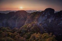 Großartiger Blick auf die Krabi-Provinz von Tiger Cave Monastery Lizenzfreie Stockfotografie