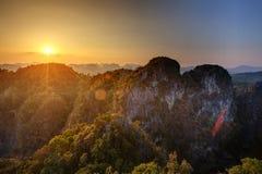 Großartiger Blick auf die Krabi-Provinz von Tiger Cave Monastery Stockbilder