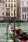 Großartiger Kanal und Gondel, Venedig, Italien Stockbilder
