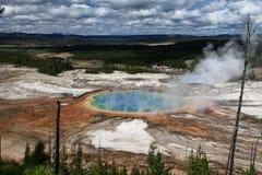 Großartiger prismatischer Frühling in Yellowstone Lizenzfreie Stockbilder