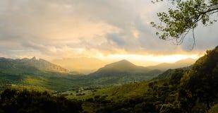 Großartiger Sonnenuntergang von Puerto Del Boyar, Grazalema Lizenzfreie Stockbilder