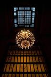 Großartiger zentraler Leuchter Stockbild
