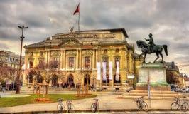 Großartiges Theaterde Geneve und Henri Dufour Statue Stockfoto
