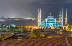 Großartigkeit der blauen Moschee nachts, Vogelperspektive von Istanbul, T Stockfoto