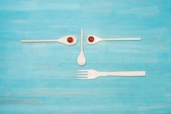 Großaufnahme des Satzes verschiedener hölzerner Kochgeräte Stockfotos