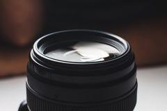 Großaufnahme eines Kameraobjektivs Stockfotos