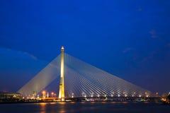 Großbrücke in Bangkok, Thailand (Rama 8 Brücke) Lizenzfreie Stockfotografie