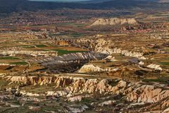 Große Ansicht über Liebestal von Uchisar-Festung stockfoto