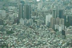 Große ausbreitende Stadt stockfotos