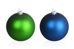 Große blaue und grüne Weihnachtsbälle Lizenzfreies Stockbild