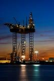 Große Bohrinsel im Dock Lizenzfreies Stockfoto