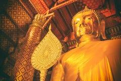 Große Buddha-Statue bei Wat Phananchoeng Lizenzfreie Stockfotos