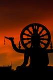 Große Buddha-Statue des Schattenbildes Stockbilder