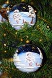 Große Details! Helle Glasweihnachtsbaumspielwaren Stockfoto