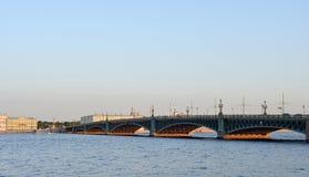 Große Dreiheitsbrücke Stockfotografie