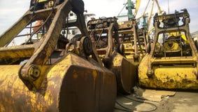 Große Eimer für Hafenlader Dreglayner, hydraulisch und Kabel stockfoto