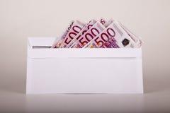 Euro in einem Umschlag Stockbilder