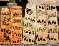 Große fünf südafrikanische hölzerne Carvings Stockbilder
