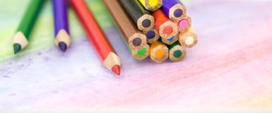 Große farbige Bleistiftnahaufnahme Stockfotos