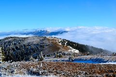 Große Fatra-Berge - sonniger Tag im frühen Winter Stockbild
