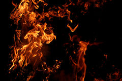 Große Flammen lizenzfreie stockfotos
