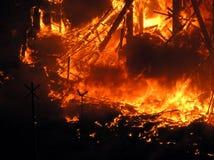Große Flammen auf dem Quadrat Stockbild