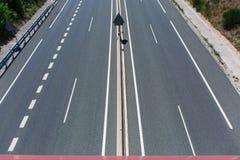 Große gepflasterte Straße Stockbild