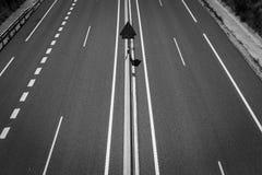 Große gepflasterte Straße Lizenzfreies Stockfoto
