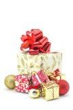 Große Geschenke und Geschenke für Weihnachten Stockbild