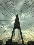 Große Gestalt der Brücke stockfotos