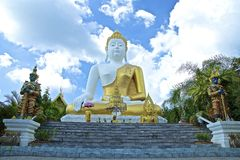 Große Gold-Buddha-Statuen Lizenzfreie Stockfotografie