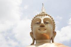 Große goldene Buddha-Statue Lizenzfreies Stockfoto