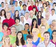 Große Gruppe multiethnische Leute lizenzfreies stockfoto