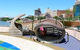 Große hölzerne Fische an einem Tummelplatz der Kinder in der Beale-Straße, die Memphis, Tennessee landet Stockfotos