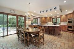 Große hölzerne Küche Stockfotografie