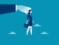 Große Hand unter Verwendung der Geschäftsfrau zur Steuerung Lizenzfreie Stockfotografie
