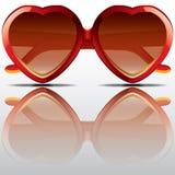 Große Herzsonnenbrille Stockfotos