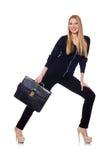 Große junge Frau in der schwarzen Kleidung mit Handtasche Lizenzfreie Stockfotografie