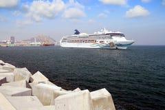 Große Kreuzfahrt norwegisches Geistmanövrieren stockbild