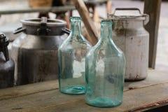 Große leere Glasflasche Stockbilder