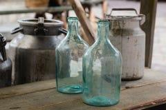 Große leere Glasflasche Stockbild