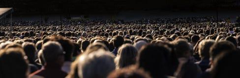 Große Masse der Leute