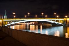 Große Moskvoretsky-Brücke Stockbild