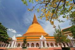 Große Pagode, Wat Pra Thom Chedi bei Nakhon Pathom, Thailand Lizenzfreies Stockbild