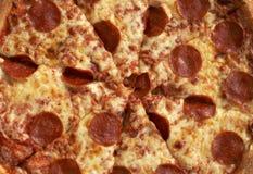 Große Pizza lizenzfreie stockbilder