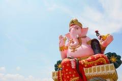 Große rosa ganesh Statue im wat Prongarkat bei Chachoengsao Thailand Stockfotografie