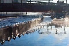 Große runde Sedimentbildungentwässerung Lizenzfreie Stockfotografie