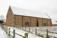 Große Scheune Basingstoke im Schnee Stockbild